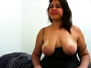 Beamy Boobs Nipples Flash greater than her Webcam stream