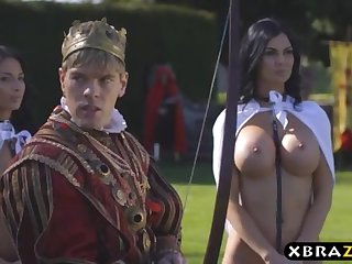 King romps his buxom promiscuous plagiarize Jasmine and Anissa